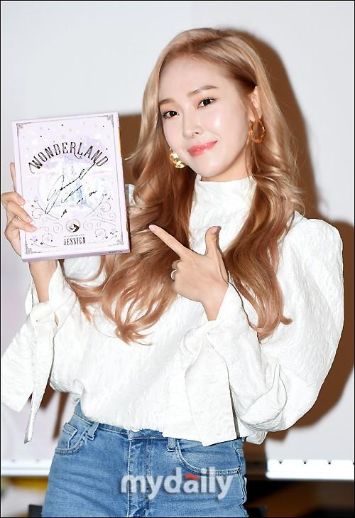 [MD PHOTO] 韩国女歌手jessica首尔举行个人专辑签售会