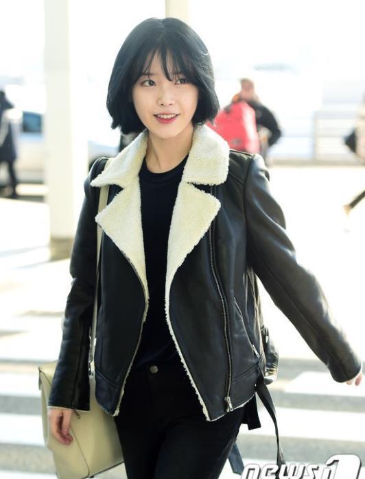 IU李智恩俏皮短发现身机场 网友:新闻图好看成这样也是没谁了