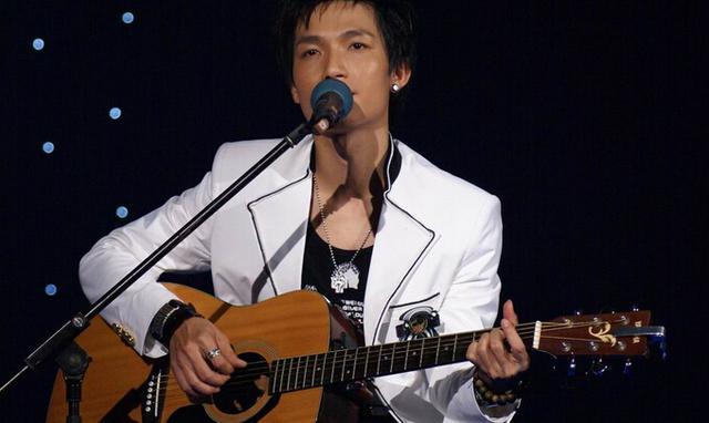 芒果台跨年演唱会阵容豪华,最令人高兴的是被封杀七年的他回来了