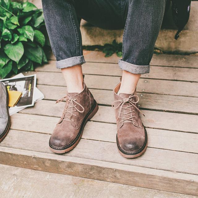 跟不上权志龙的发色,至少也得跟上马丁靴的时尚