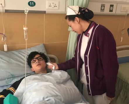 宋小宝暂别综艺圈,薛之谦忙到病倒,下一个会轮到谁?