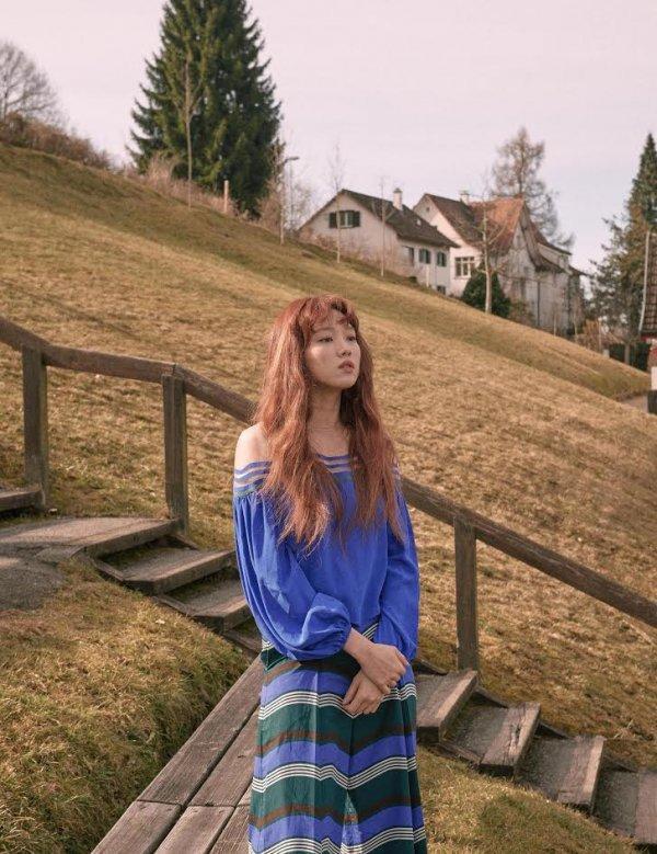 李圣经瑞士写真公开 梦幻神秘气质吸睛