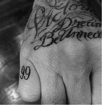 明星都爱纹身 一段爱情纹一个,分手了怎么办图片