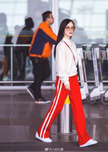 李小璐美美的机场街拍,原来是这样拍出来的