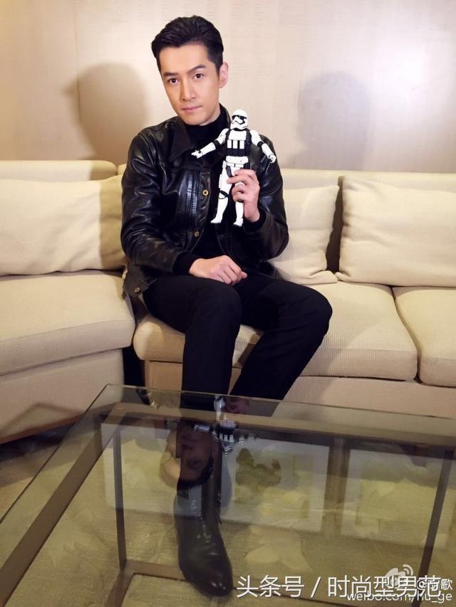 胡歌2015年凭电视剧《琅琊榜》人气再度翻红.(翻摄自微博)-胡