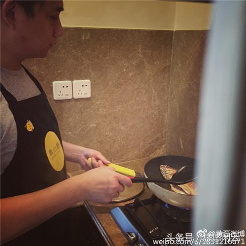 黄磊孟非火锅店一份牛肉398元,遭吐槽:周瑜打黄盖