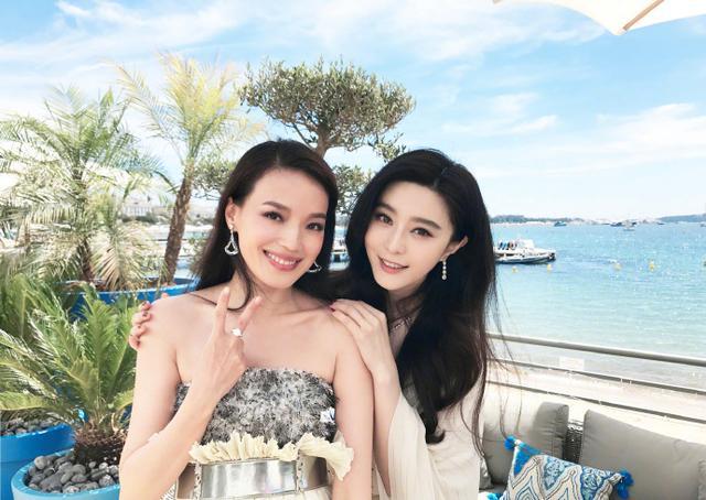 范冰冰舒淇戛纳同场斗艳,两大美女同框就够养眼了还比谁更美?