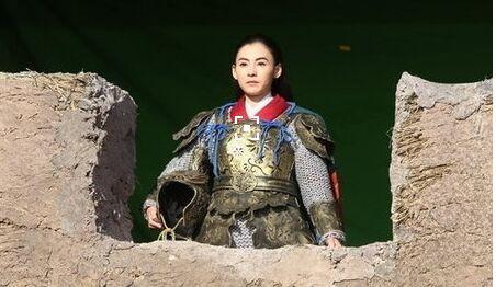 楚乔进军营赵丽颖戎装帅到爆,看看这些女星的戎装照谁最惊艳