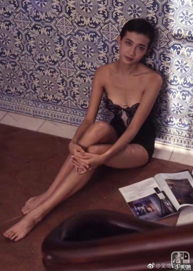 44岁吴绮莉晒少女照,身材太好骨相美,这句话开头她注定败了?