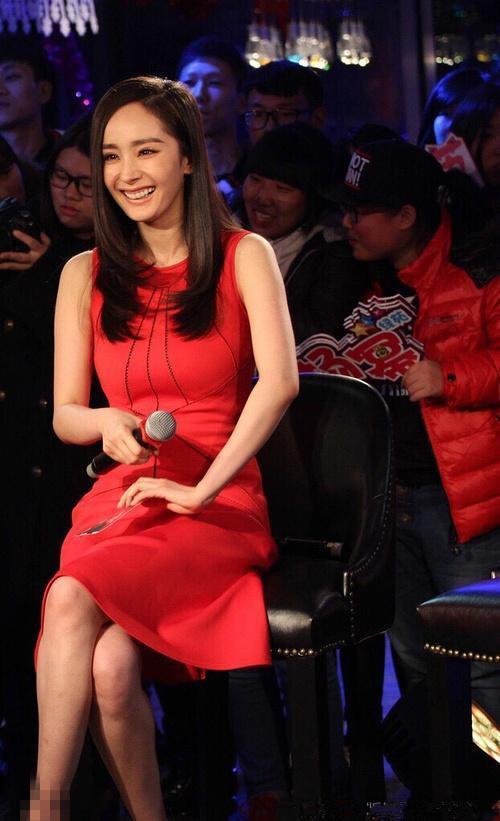 穿红裙<a href =
