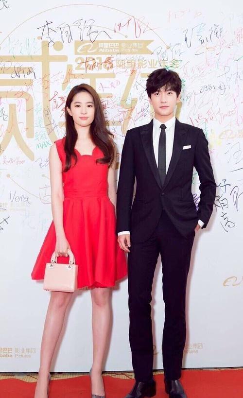 穿红裙刘亦菲绝对是典范,杨幂穿出大女人范,范冰冰辣眼睛!