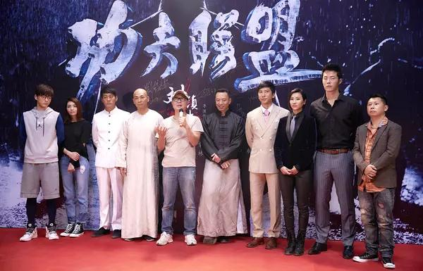赵文卓微博发与吴京合照,疑似有合作,网友:难道是《战狼3》?