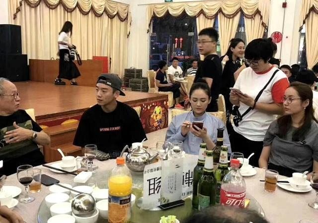 陈乔恩与郑恺对戏,即使身穿制服也藏不住好身材