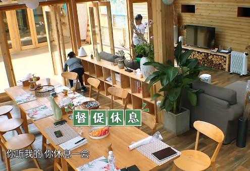 刘涛疯狂打扫卫生,却转身拿拖把去厨房洗,网友直呼不能忍!