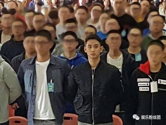 金秀贤入伍两年后归来,可是29岁的他现在还没大学毕业