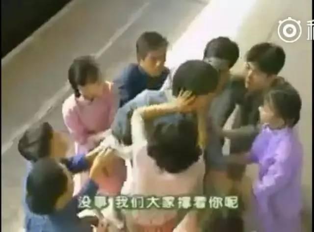 赵薇老公吃醋调侃古巨基比自己还早亲赵薇,赵薇:太尴尬了