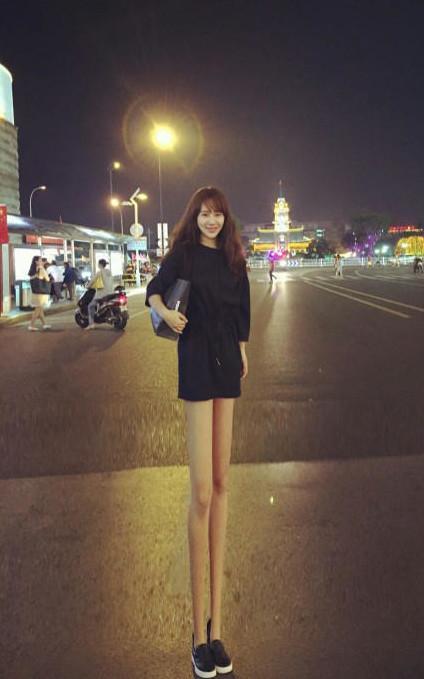 因腿短上热搜 杨紫亲自PS大长腿回击腿短