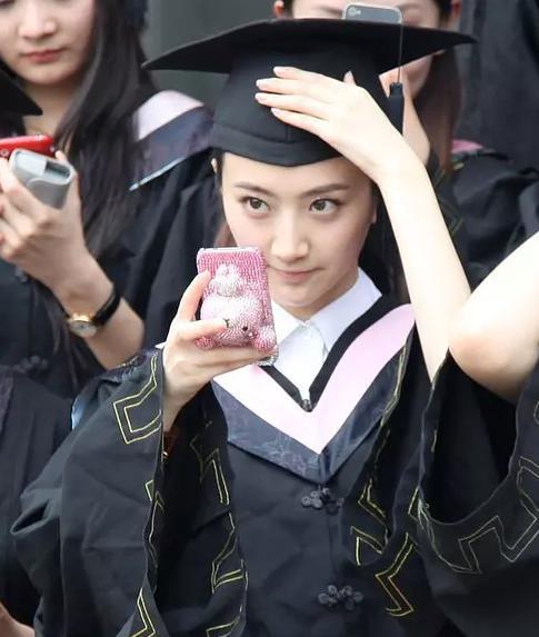阚清子夸郑爽是班花,她忘了同班还有一个校花景甜吗?