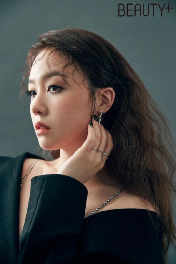 珉雅最新写真发布 诠释古典魅力
