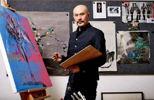 曾是风月片之王,如今息影改走文艺路线,一幅画售价高达80万