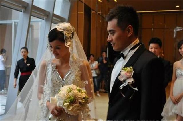 韩雪的闺蜜、陈龙的妻子,因年纪小无缘星女郎,今凭《猎场》大火