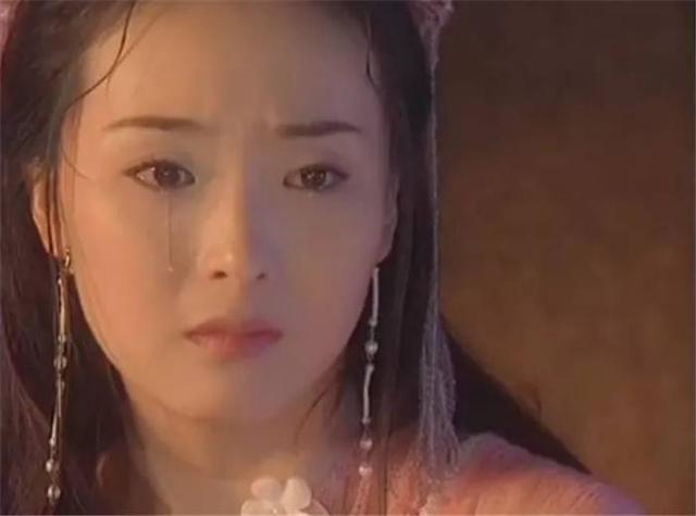 19岁因饰演丫鬟出道,靠嫁人身家过亿,今复出演戏打发时间?