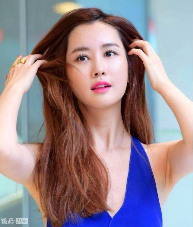 范冰冰和baby上韩网头条了,韩国网友却吐槽她俩是整容女神