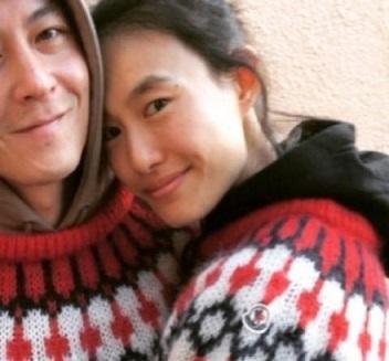 陈冠希秦舒培祝福新年快乐,两口子一唱一和甜蜜撒糖