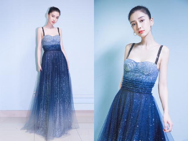 素颜美女裴秀智撞衫时尚辣妈杨颖,同穿星空吊带裙,一个美一个仙