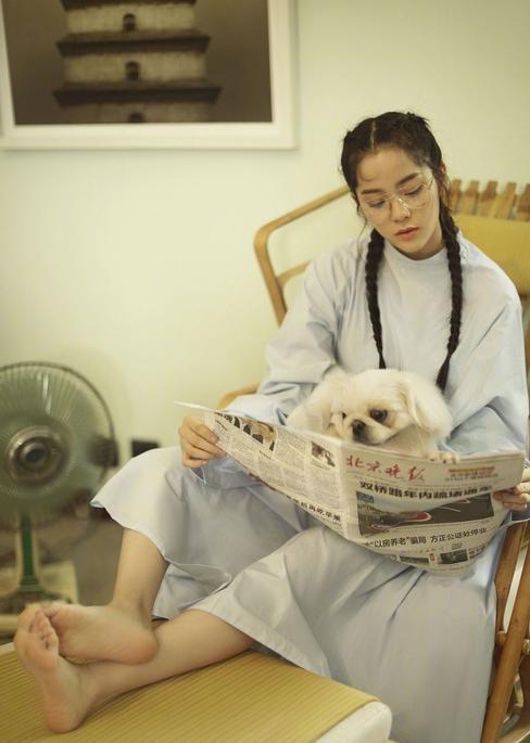 直男斩欧阳娜娜也败在杂志封面?连芭莎都拍出三线微博风