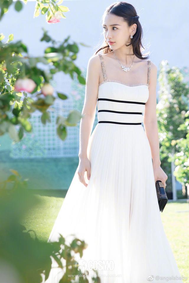 秀智baby穿同款裙子比美,你说谁赢比较大