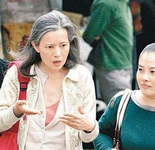 除了蓝洁瑛之外,曾志伟还因侮辱容祖儿被打?