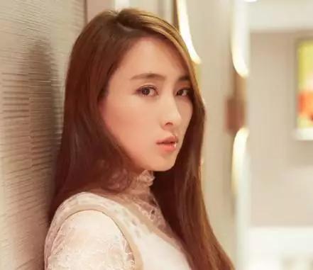 黄毅清抓着马苏不放,网友表示:你成功地帮李小璐转移了视线