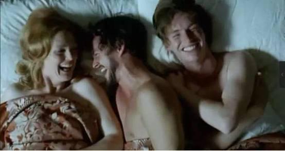 为啥她们会爱上油腻中年大叔,看了《迷镇凶案》才懂男人心海底针