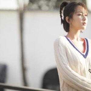杨紫才是认真减肥的女明星,拍戏瘦14斤,立春发照都敢露锁骨了