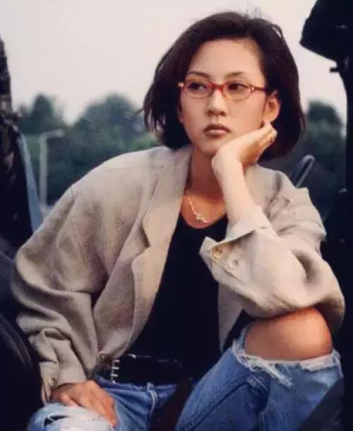 还记得这位童年女神吗?她47岁依然帅到爆炸!