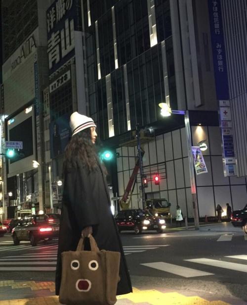 范冰冰买了70W日元化妆品 却被脚上的鞋毁所有!