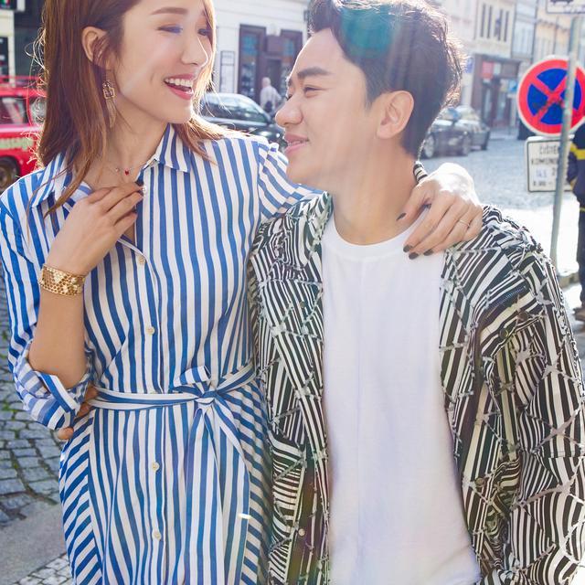 王祖蓝晒和李亚男恩爱合照庆祝结婚三周年 每一帧都是爱