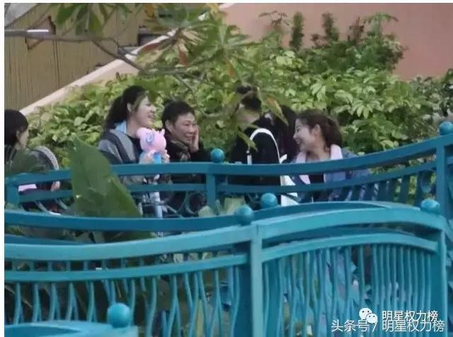 明明是开春恋爱季,但贵圈情侣分手的却不少?!