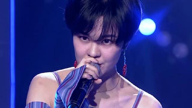 最后一名补位歌手即将登台,凭那双美腿我就能认出她来!