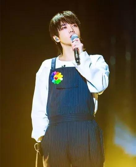 """《歌手》里的""""王者""""华晨宇:我不会刻意讨好,但我想要你看到"""