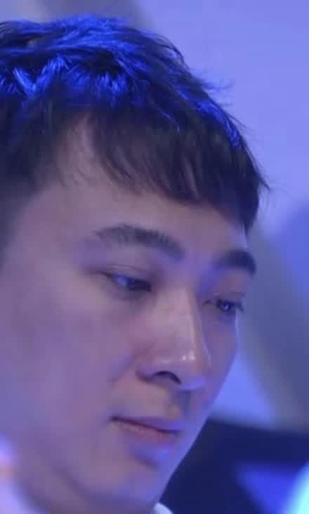 """王思聪竟然靠他的""""双眼皮贴""""出道美妆博主了"""