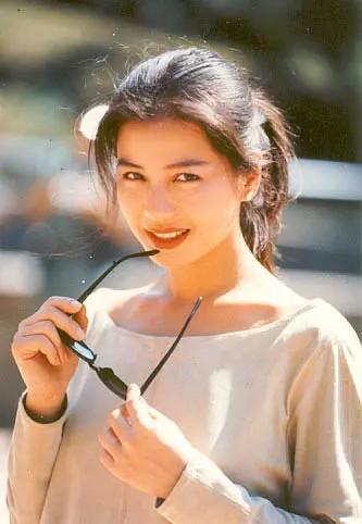 自然才是最好的化妆品,张檬苹果肌都反光,敢像蔡少芬这样大笑吗