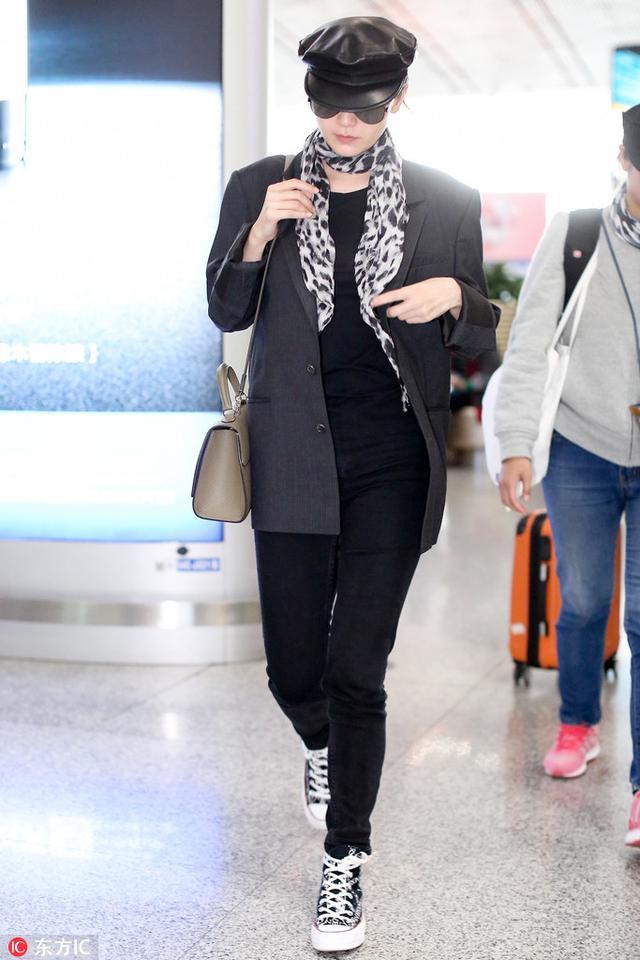 同样都是帆布鞋,怎么倪妮韩雪就搭得这么优秀?