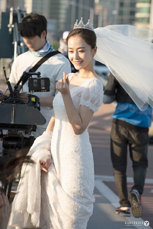 韩国女艺人 洪秀贤新剧现场照曝光