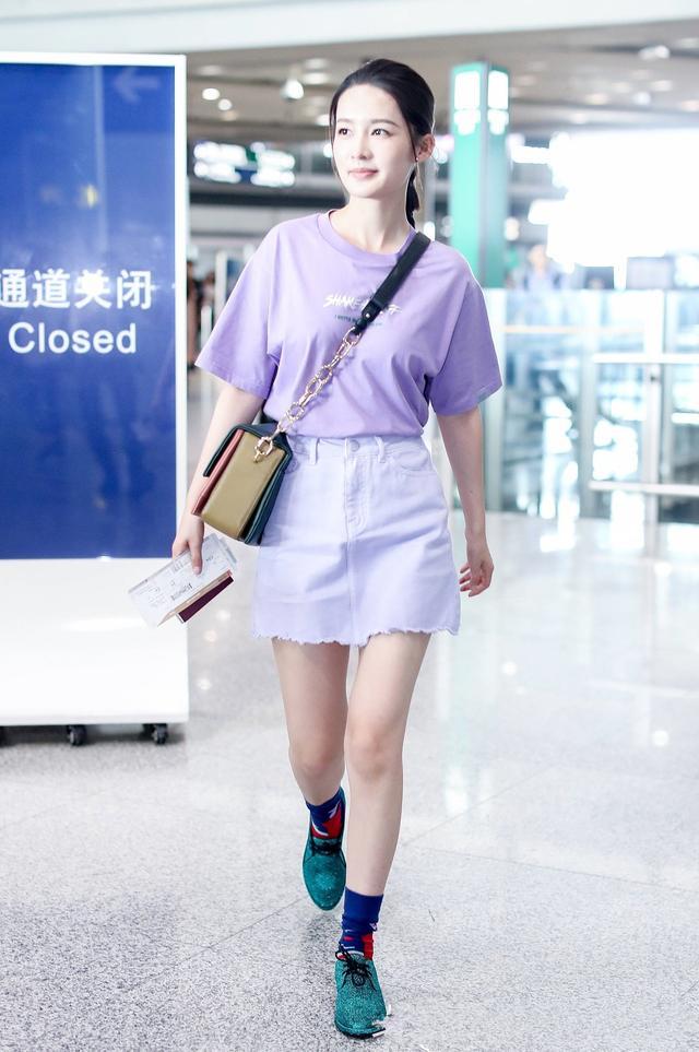"""这么美的""""星空鞋""""竟因为李沁不会搭,变得好丑!网友:真可惜"""