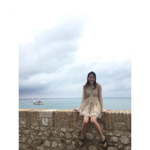 韩国女艺人 孙艺珍社交网站发布旅行照
