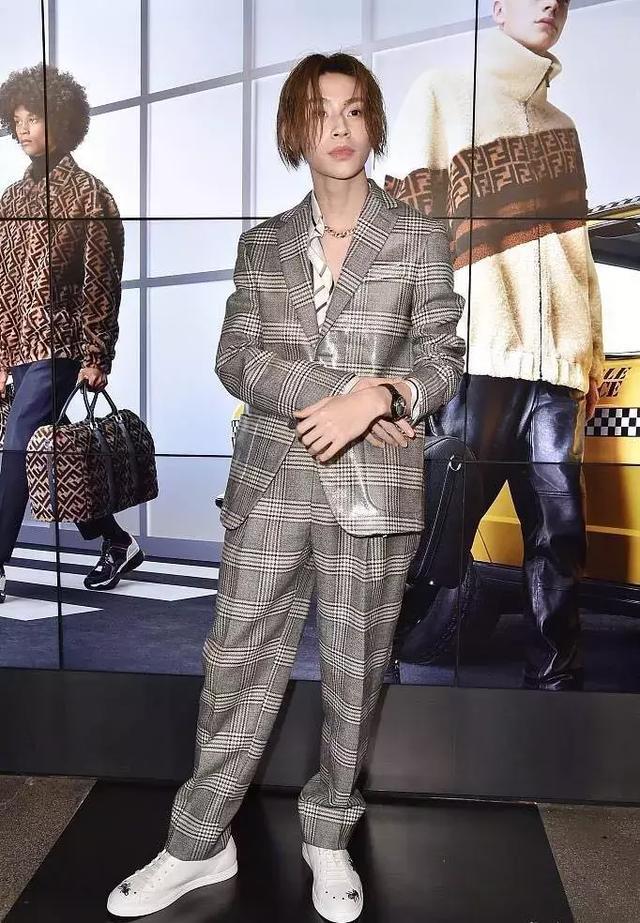 范丞丞贵气,Justin少年感,朱正廷细节控……他们谁的时尚感最强?