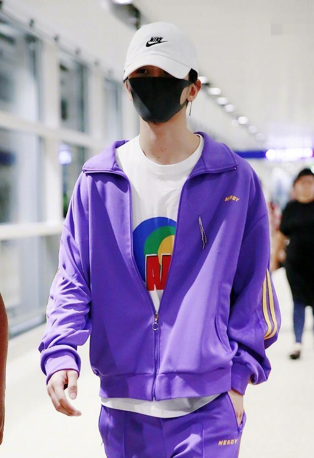 今年流行的电光紫,热巴性感,蔡徐坤太抢眼,千玺简直苏到天际