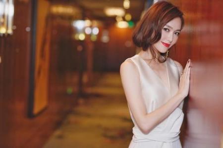 昆凌新造型惊艳观众,当红女星罕见短发照,最后一个堪比换脸